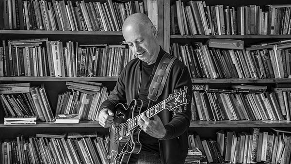 Jacek Szreniawa nauka gry na gitarze